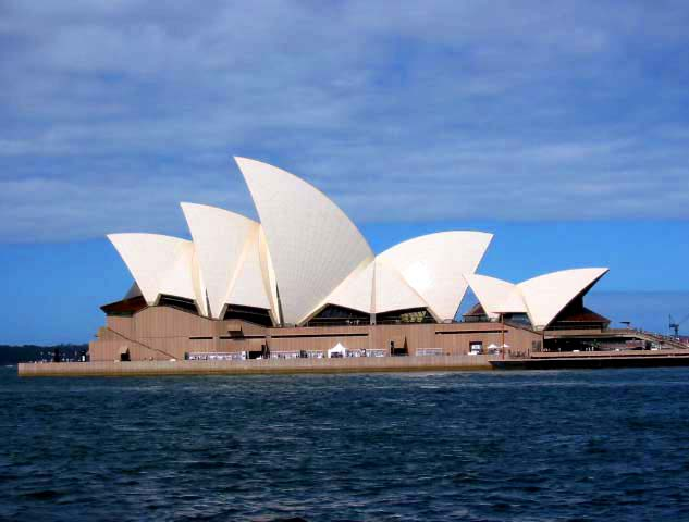 http://www.aspen-ridge.net/Places/Australia/Sydney_Opera_House.jpg